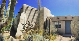 At the head of the Desert Discovery trail there is my dream house.